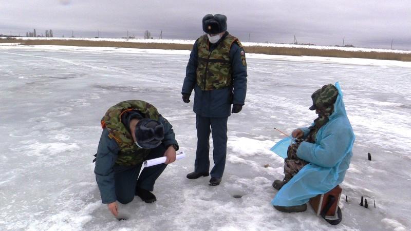 Спасатели проинспектировали Курское водохранилище и встретили там несколько десятков рыбаков